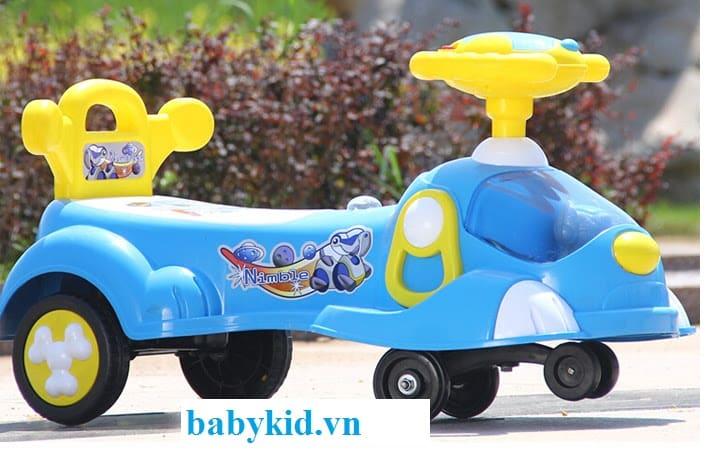 Xe lắc trẻ em 033 màu xanh
