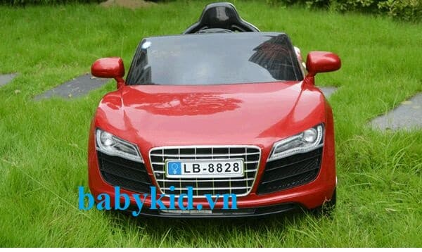 Xe ô tô điện trẻ em Audi R8-8828 màu đỏ
