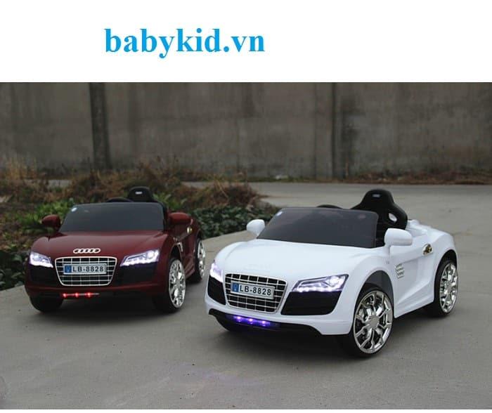 Xe ô tô điện trẻ em Audi R8-8828 sang trọng