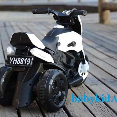 Xe máy điện trẻ em YH8819 màu trắng