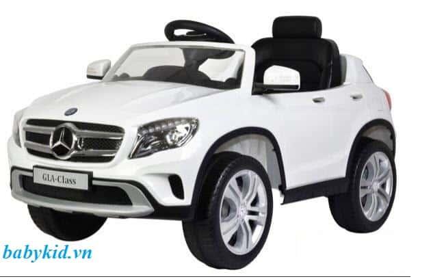 Xe ô tô điện trẻ em 653R màu trắng cực sang trọng