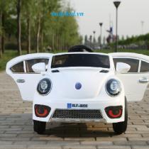 xe ô tô điện trẻ em BLF-8899 màu trắng 1