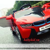 xe ô tô điện trẻ em KL-5068A màu đỏ cánh mở