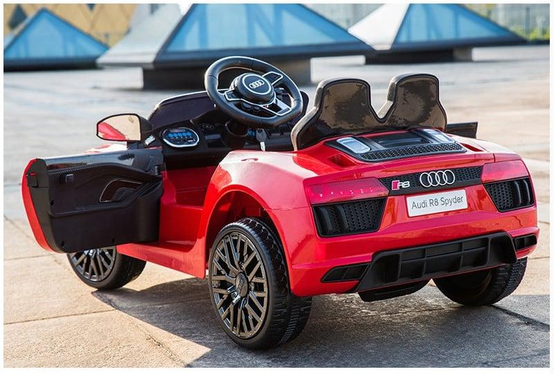 Xe ô tô điện trẻ em Audi R8 Spyder.3