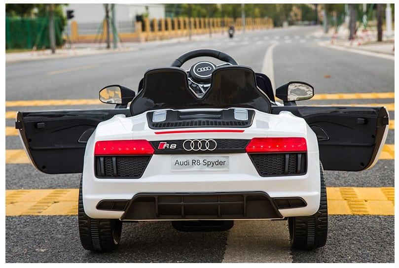 Xe ô tô điện trẻ em Audi R8 Spyder.5