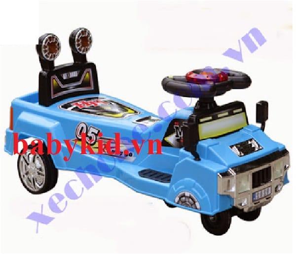 Xe lắc trẻ em 2829 màu xanh
