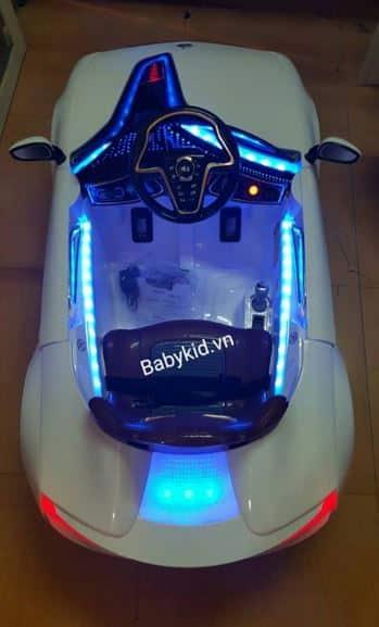 Xe ô tô điện trẻ em YH-99001 đèn Led đẹp mắt
