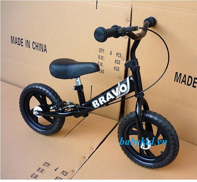 Xe thăng bằng trẻ em Bravo giá rẻ nhất