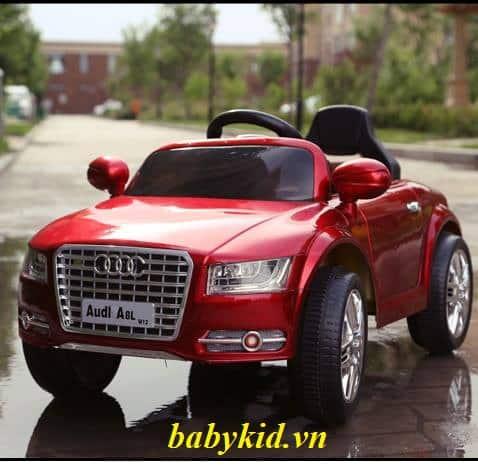xe ô tô điện trẻ em Audi A8L đỏ4