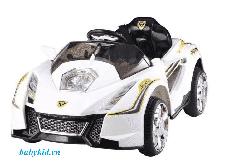 xe ô tô điện trẻ em YC-358 màu trắng