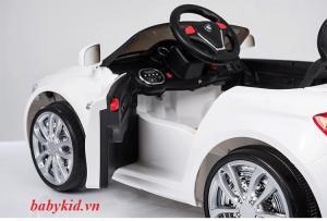 Xe ô tô điện trẻ em PB-807 cánh cửa mở