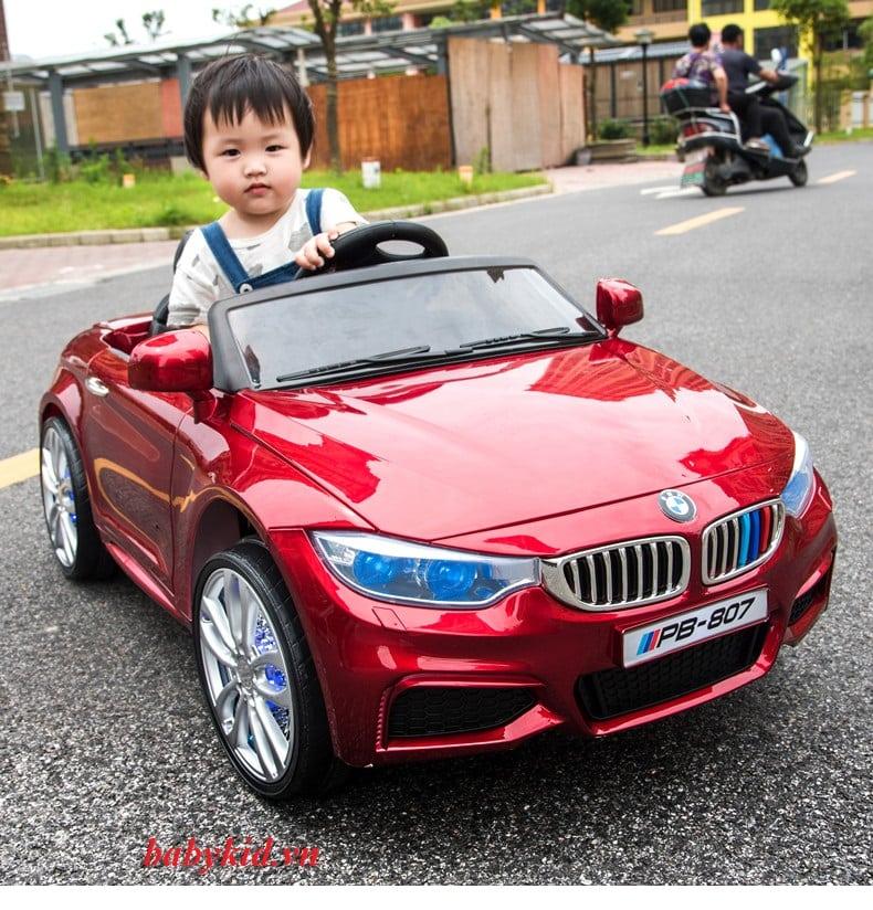 Xe ô tô điện trẻ em PB-807 mẫu mới màu đỏ