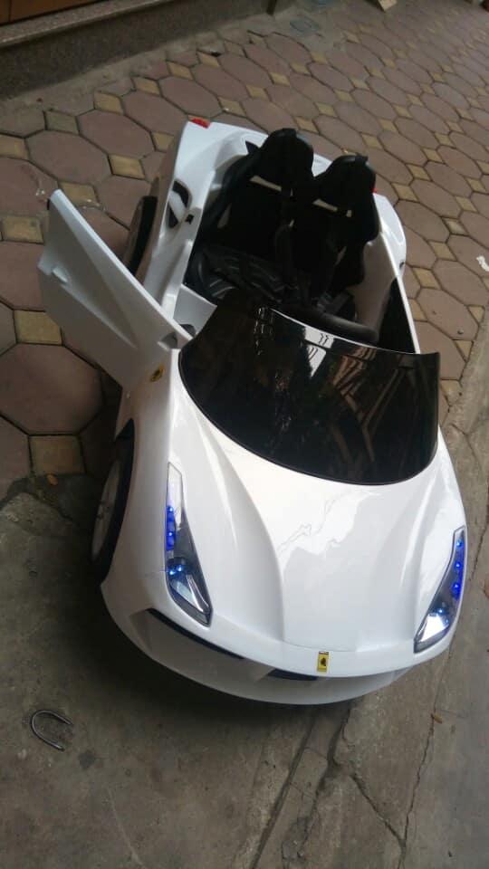 Xe ô tô điện trẻ em LB-588