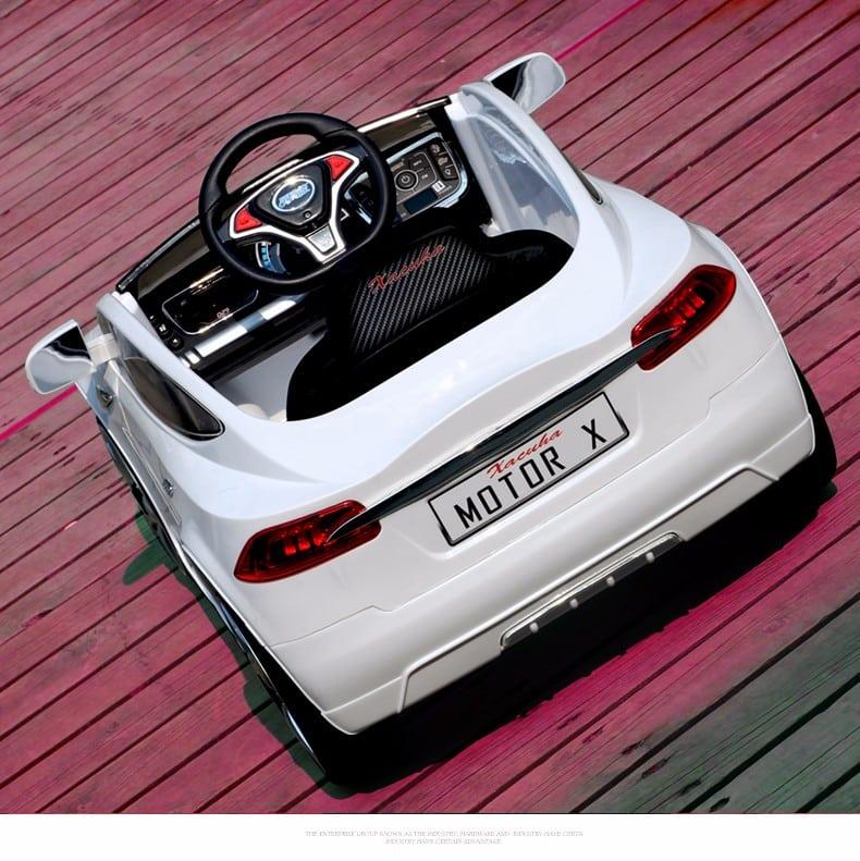 xe ô tô điện trẻ em JE-115 màu trắng2