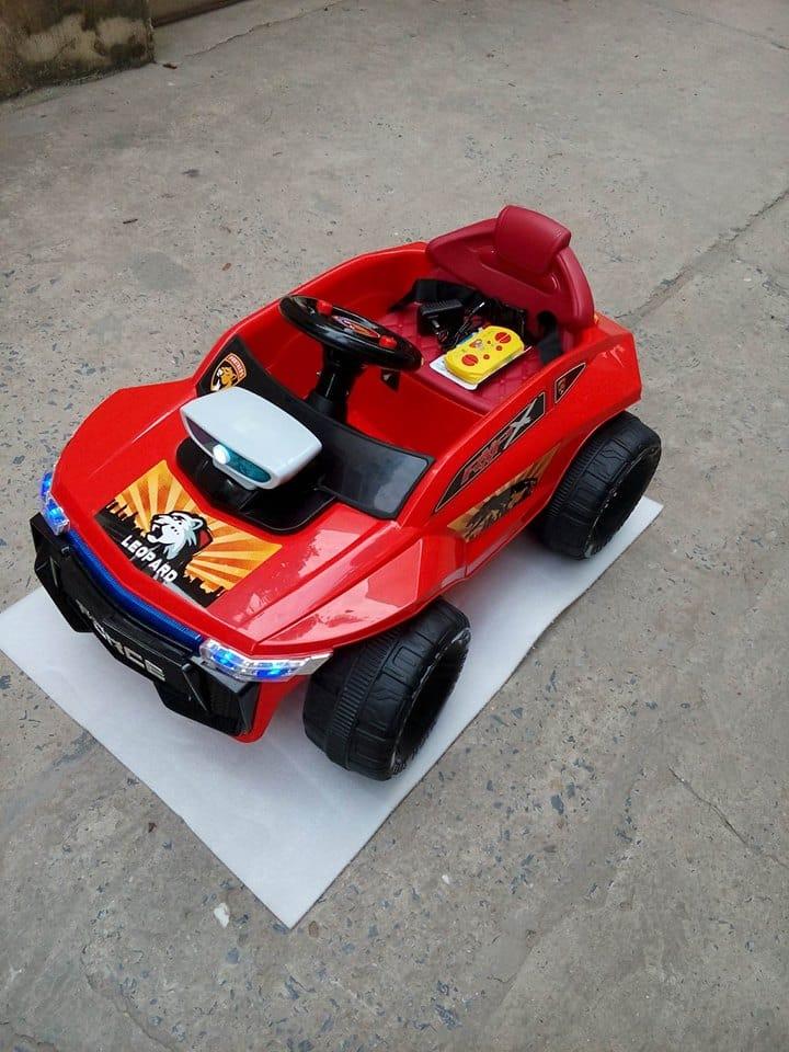 Xe ô tô điện trẻ em W-2502A.6